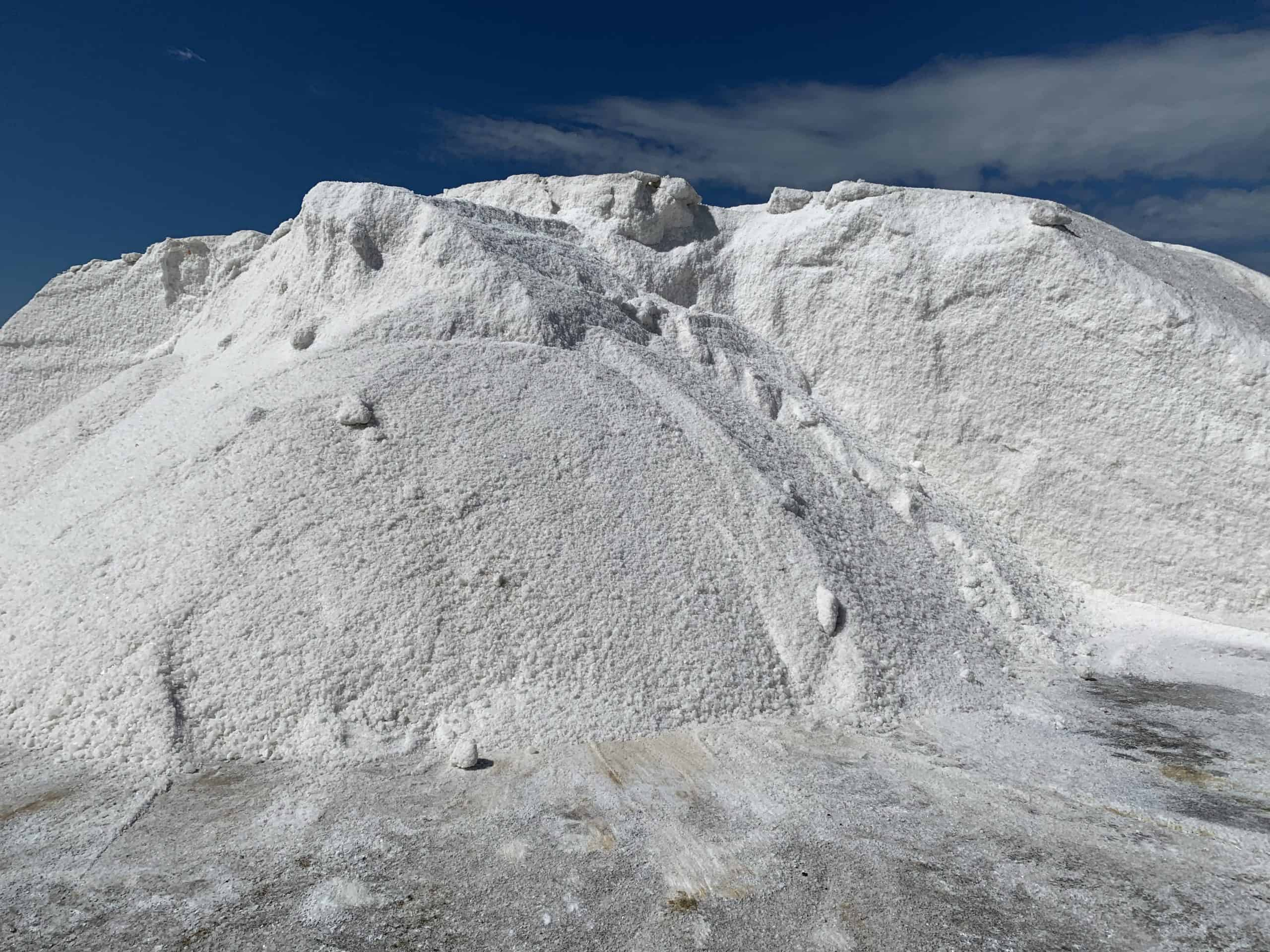 Montaña de sal marina en cabo rojo Puerto Rico